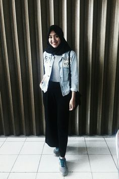 Be your self  #tumblr #girls #ootd #outfit #black #jeans #blue #hijab #style