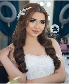 Dramatic Wedding Makeup, Wedding Hair And Makeup, Open Hairstyles, Bride Hairstyles, Beauty Makeup, Hair Makeup, Hair Beauty, Elegant Wedding Hair, Smokey Eye Makeup