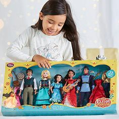 Elena of Avalor Deluxe Classic Doll Gift Set Features Elena Mateo Isabel Naomi and Gabe *** Find out more about the great product at the image link. American Girl Doll Movies, Disney Dolls, Disney Princesses, Princess Toys, Baby Doll Accessories, Cool Kids Clothes, Disney Junior, Girls Sleepwear, Disney Merchandise