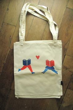 Book lovers TOTE BAG by hellopossum on Etsy, €12.00