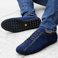 Department Name: Adult Flats Type: Leather Casual Shoe Width: Medium(B,M) is_customized: Yes Season: Spring/Autumn Closure Type: Lace-Up Insole Material: Latex Pattern Type: Solid Gender: Men Outsole