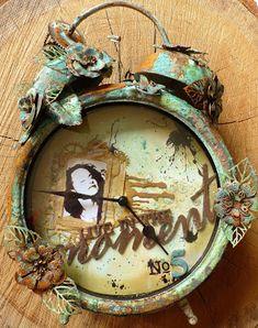 Just Jolande: More Than Words - a clock challenge