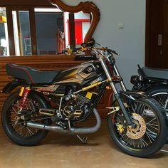 King Fashion, Motocross Bikes, Cars And Motorcycles, Motorbikes, Yamaha, Castle, Retro, Wallpaper, Vehicles