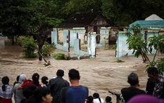 Indonesia (AP).- Al menos 24 personas fallecieron en inundaciones y deslaves en el centro de Java, en Indonesia