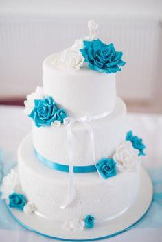 hashtags for beach weddings Wedding Cakes With Cupcakes, White Wedding Cakes, Beautiful Wedding Cakes, Gorgeous Cakes, Pretty Cakes, Wedding Cake Toppers, Cupcake Cakes, Purple Wedding, Gold Wedding