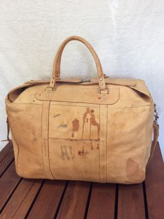 aac8a573a4 Excellent Patina Huge Vintage Genuine Tan Natural Leather Duffle Bag  Weekend Bag Carry On Made in Paraguay