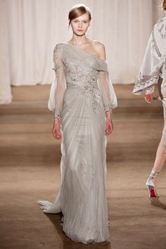 Marchesa at New York Fashion Week Fall 2013 - Runway Photos Style Couture, Couture Mode, Couture Fashion, Runway Fashion, Marchesa, Gala Dresses, Formal Dresses, Wedding Dresses, Fashion Week
