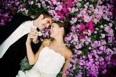 Voici 50 idées de photos originales à faire lors d'un mariage! Ca pourrait vous servir!