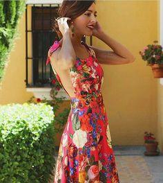 WEBSTA @ princesaporundia - Look @rocioosornocostura«Juguemos a conocernos de nuevo» Fall Dresses, Nice Dresses, Summer Dresses, Mom Dress, Dress Up, Différents Styles, Evening Outfits, Outfit Combinations, Elegant Outfit