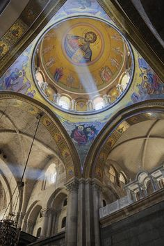 ✯ Interior of the Church of the Holy Sepulchre - Jerusalem