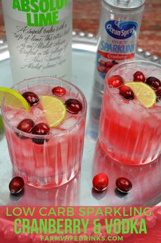Low carb cranberry and vodka I can have even on a low carb diet with this sparkling cranberry and vodka cocktail. Low carb cranberry and vodka I can have even on a low carb diet with this sparkling cranberry and vodka cocktail. Low Carb Cocktails, Summer Cocktails, Simple Vodka Cocktails, Low Calorie Mixed Drinks, Healthy Mixed Drinks, Vodka Sangria, Summer Mixed Drinks, Vodka Tequila, Vodka Lemonade