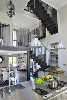 Vue générale intérieure de la maison à Bordeaux