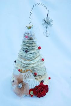 Christmas paper tree tutorial