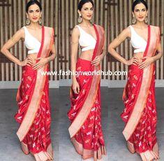 Shilpa Reddy in Red banarasi Saree! Saree Blouse Neck Designs, Indian Designer Outfits, Banarasi Sarees, Saree Wedding, Saree Collection, Cotton Saree, Yards, Fashion Looks, Celebs