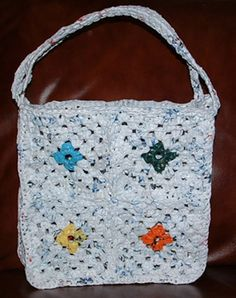 Ravelry: Recycled Plastic Granny Square Tote Bag pattern by Cindy RecycleCindy