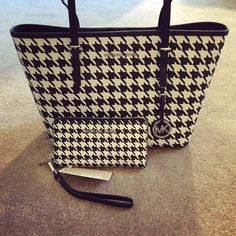 We all know my favorite pattern is houndstooth