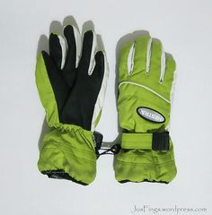 HESTRA Kids Ski Gloves $50 Kids Skis, Good Grips, Winter Wear, Skiing, 50th, Gloves, Accessories, Nice Asses, Cold Winter Outfits