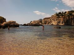 Taormina (ME) - le acque sempre calme e trasparenti della Baia di Isola Bella | da Lorenzo Sturiale