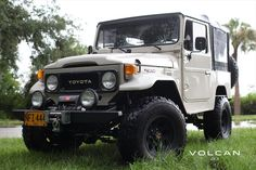 'Pacho' 1982 FJ40 Land Cruiser from Volcan 4x4