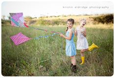 Love this photography and those  adorable kites! Me and B will have to make some  :)