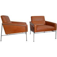 Pair of Arne Jacobsen Leather Series 3300 Lounge Chairs for Fritz Hansen SAS Terminal ca.1956