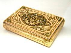 ANTIQUE SOLID GOLD BOX HANAU GERMANY c. 1830 4 COLOUR GOLDwww.antique-silver.co.uk John Bull Antiques  Antique Silver Dealer, Silver & Objet de Vertu, Home ware, Gifts & Collectibles. London, UK.