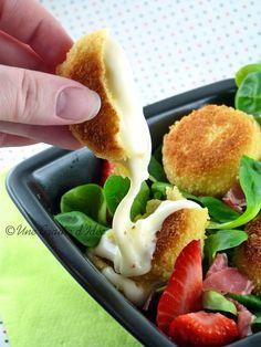 A tester accompagnés d'une salade : Mini Babybel Panés !