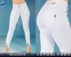 Paixão pela Moda! Quem curte? Alvo Lovers! Denym clarinho, super no auge!  www.alvodamoda.com.br