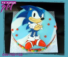 Sonic the Hedgehog birthday cake. Sonic Birthday Cake, Sonic Cake, Candy Birthday Cakes, Sonic Birthday Parties, Mario Birthday Party, Birthday Treats, Birthday Fun, Sonic Party, Sonic Kuchen