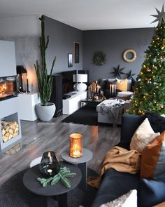 Bedroom Design Ideas – Create Your Own Private Sanctuary Living Room Colors, Home Living Room, Living Room Decor, Interior Design Living Room Warm, Living Room Designs, Living Room Inspiration, Home Decor Inspiration, Instagram Christmas, Christmas Tree