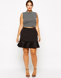 New Look Inspire Flippy Hem Skirt Black Dress Outfits, New Outfits, Trendy Outfits, Winter Outfits, Plus Size Mini Skirts, Dress Plus Size, Plus Size Outfits, Denim Mini, Leather Mini Skirts
