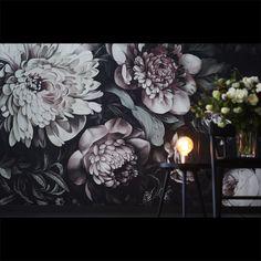 Dark Floral II Black Desaturated XXL (300%) Wallpaper