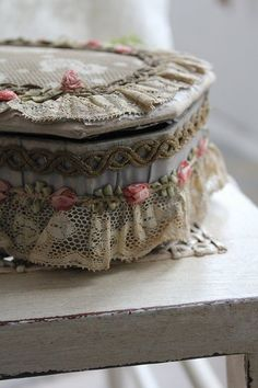 Ribbonwork trinket box