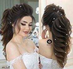 Pin by Tisha Qazi on Hair styles (With images) Bridal Hair Buns, Bridal Hairdo, Indian Wedding Hairstyles, Bride Hairstyles, Sporty Hairstyles, Cool Hairstyles, Medium Hair Styles, Long Hair Styles, Wedding Makeup Looks