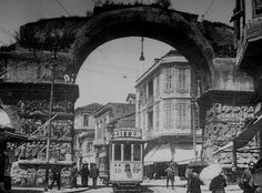 Τhe Arc of Galerius,Thessaloniki, Macedonia Greece 1930 Old Pictures, Old Photos, Vintage Photos, Macedonia Greece, Beautiful Places, Beautiful Pictures, Cultural Capital, Greek History, Thessaloniki