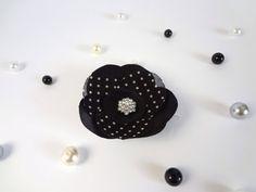 polka dot hair pin