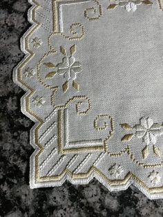 Hardanger Embroidery, Embroidery Stitches, Hand Embroidery, Machine Embroidery, Drawn Thread, Thread Work, Bargello, Crochet Bedspread, Filet Crochet