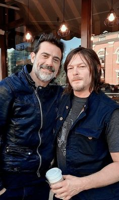 Inspiring image daryl dixon, jeffrey dean morgan, norman reedus, the walking dead, twd by Sharleen - Resolution - Find the image to your taste Walking Dead Cast, Fear The Walking Dead, Team Negan, Jeffrey Dean Morgan, Raining Men, Daryl Dixon, Norman Reedus, Best Shows Ever, Actors & Actresses
