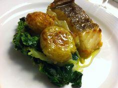 Bacalhau assado com batatas e couves