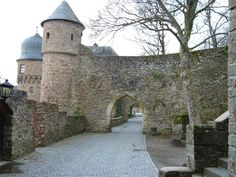 Idar-Oberstein Kastle by Baumholder I went here and have the pictures to prove it! It was beautiful. Mary T.