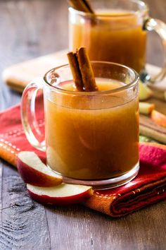 Learn how to make EASY homemade apple cider in your slow cooker with fresh fruit and spices. Fall drink recipe on sallysbakingaddiction.com