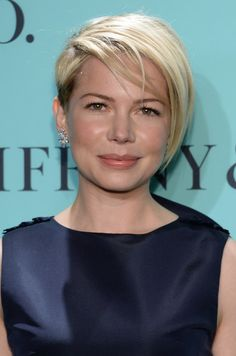 Michelle Williams Layered Razor Cut - Short Hairstyles Lookbook - StyleBistro