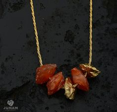 Rugueux rouge cornaline et collier d'or portable par JunamJewelry