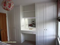 24 Trendy bedroom wardrobe with dressing table Built In Dressing Table, Alcove Wardrobe, Wardrobe Storage, Bedroom Closet Design, Bedroom Cupboards, Mdf Furniture, Trendy Bedroom, Bedroom Built In Wardrobe, Closet Design