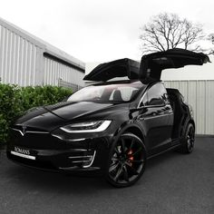 Model X! The Effective Pictures We Offer You About tesla suv A quality picture can tell you many things. You can find the most beautiful pictures that can be presented to you about tesla art in this account. Luxury Sports Cars, Best Luxury Cars, Sport Cars, Luxury Suv, Luxury Motors, Luxury Vehicle, Exotic Sports Cars, Luxury Yachts, Motor Sport