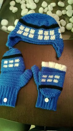 TARDIS hat and gloves