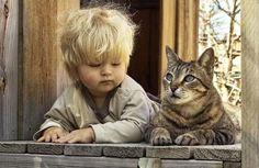 bébé et chat trop mignons 11