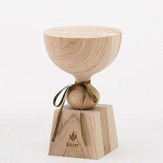 Trophies made of wood  나무로 만든 트로피