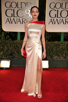 Still can't get over Angelina Jolie in Atelier Versace @ Golden Globes.
