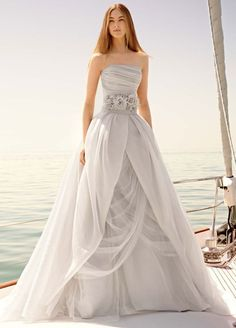 Organza Gown with Draped Bodice and Tulle Skirt | White by Vera Wang from Colin Cowie Weddings. Please mention that you found them thru Jevel Wedding Planning's Pinterest Account. Keywords: #weddinggowns #verawangweddinggown #colincowieweddingplanner #jevelweddingplanning Follow Us: www.jevelweddingplanning.com www.pinterest.com/jevelwedding/ www.facebook.com/jevelweddingplanning/